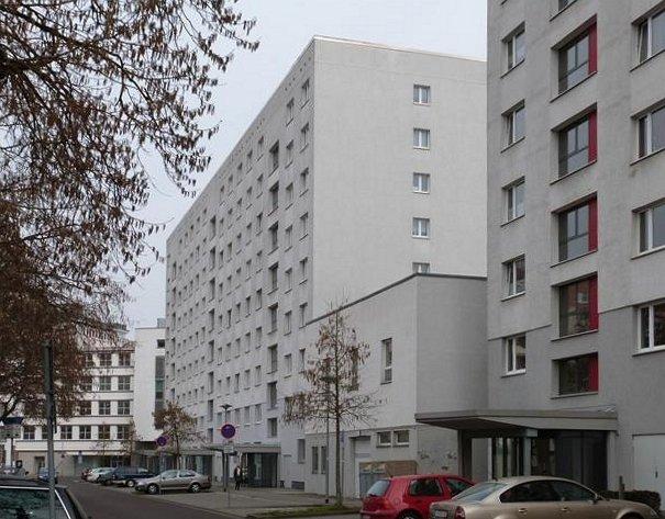 Breiter Weg //