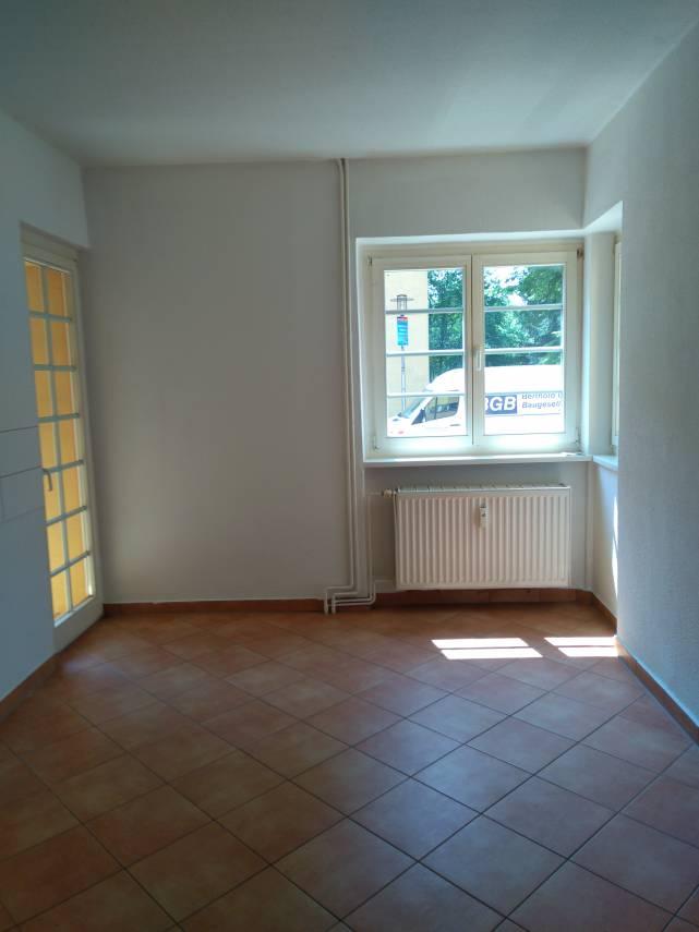 Offleber Str. // Küche mit Balkon
