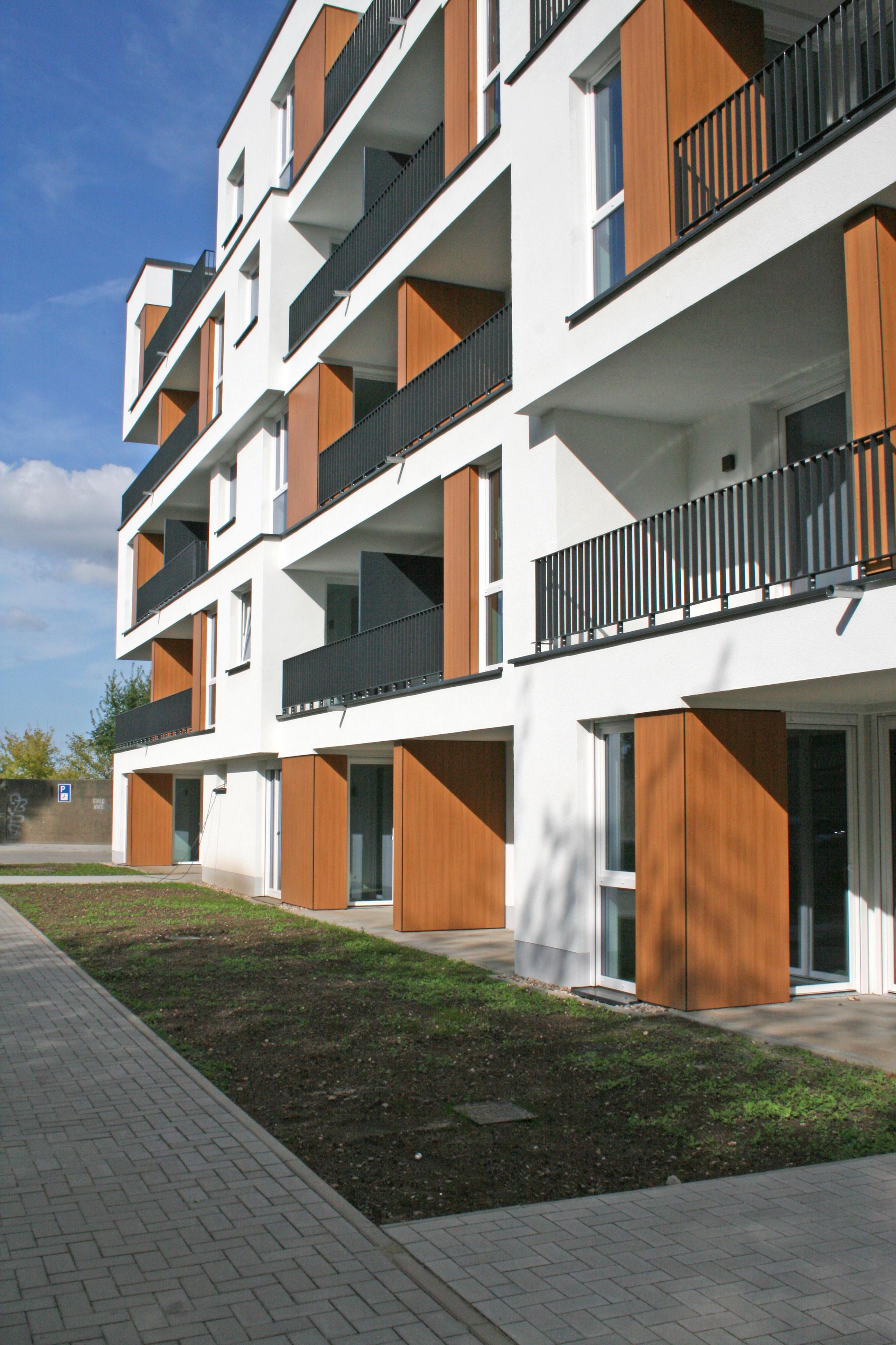 Fassade WOBAU Seniorenwohnanlage in der Bundschuhstraße